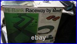 70 REVELL HI-BANK RACEWAYPontiac Firebird Mercury CougarSLOT CAR SET1/32BOX