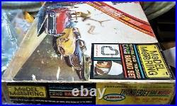 AURORA MODEL MOTORING GOOD HO #1304 TJET 4 LANE Slot Car Race Track Set 4 Cars