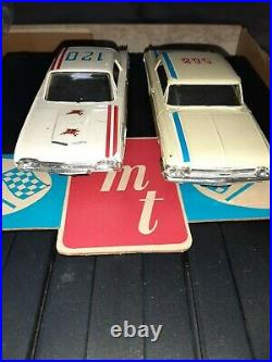 Authentic Model Turnpike AMT slot car track TR-190 with 2 CARS & DRIVER HEADS