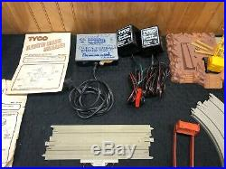Ho Slot Tyco US1 Trucking Mixed Lot Track Fire Station Buildings Airport Signs