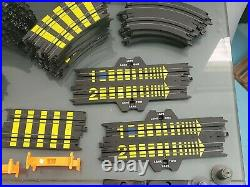 Lot of Vintage 1989 Tyco Magnum 440 Grand Prix Race HO Scale Track Pieces