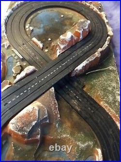 RARE VINTAGE 1960'S MODEL MOTORING STYROFOAM SCENERY BASE With10 TRACK PIECES