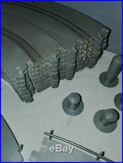 Revell 1/32 Slot Car Track 90 Piece Lot Radius 14 21 Curves Straight Apron Rail