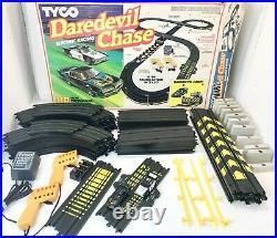 TYCO Daredevil Chase Slot Race Track Set Transam & Police Highway Patrol Car