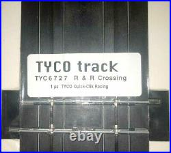 TYCO Mattel Road & Rail RR Crossing Race and Train Intersection Track 6727 B5837