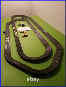 Tyco HO Scale Banked Double Oval Paper Clip Slot Car Race Track Set Complete