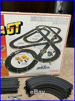 Tyco Magnum 440-X2 California GT Racing Slot Car Vintage Set Track Lot WORKS