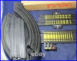 Tyco Magnum 440-X2 Slot Car 6-in-1 Racing Track with (2) Corvettes Vintage