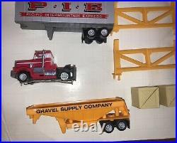 Tyco Us1 Electric Trucking #3206 Slot Track Vintage 1982 Set