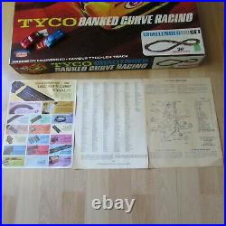 VINTAGE TYCO HO SCALE SLOT CAR TRACK Early 60's Challenger BANKED CURVE RACING