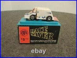 VTG AJ'S RACE SAVER OSCAR THE TRACK CLEANER CAT NO TK 8500 SPIRIT 76 With DRIVER