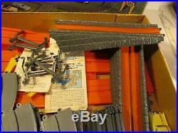 Vintage 1966 Ideal Motorific Alcan Highway Torture Track Slot Car Set t3812