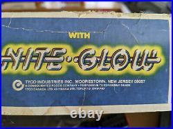 Vintage 1980 Tyco JEEP CJ SNAKE-TRACK with Nite Glow Racing Slot Car Set #6616 i